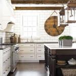 Часы в декоре кухонной комнаты