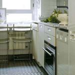 Обустроить небольшую кухню – свои хитрости и решения.